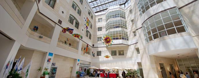 Больница Шнайдер, вид изнутри